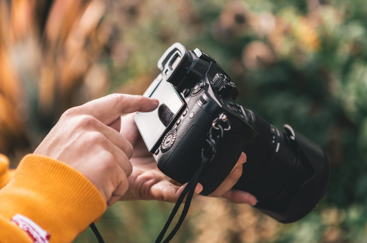 Vlogに最適なカメラ6選!海外はこう見た