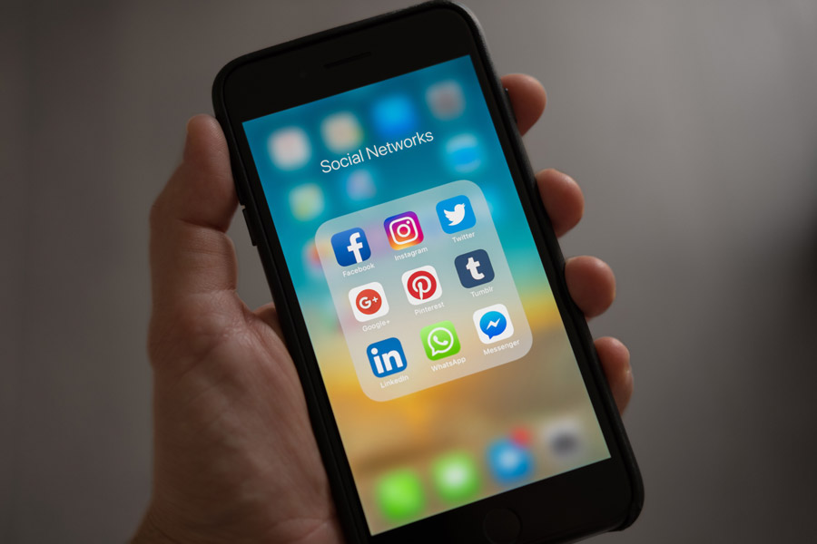 YouTube、Instagram、Facebook、Twitterー動画広告に最適なのはどれ?